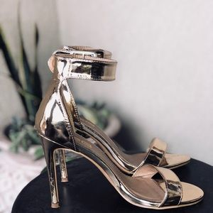 Never worn shiny gold heels!